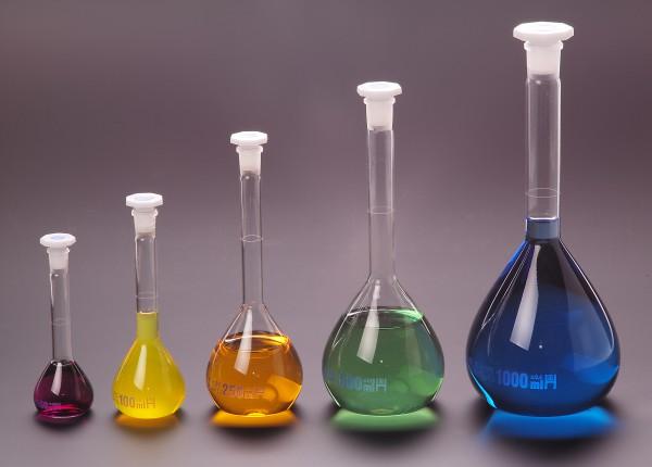 Messkolben aus Borosilikatglas