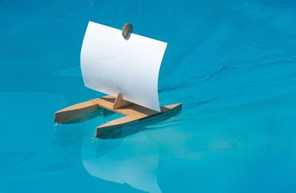 Kári, Segelboot