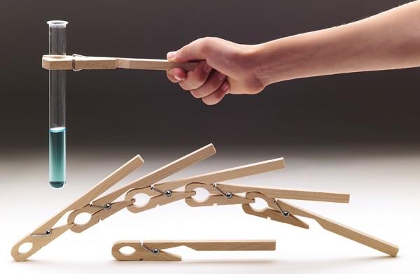 Reagenzglashalter aus Holz